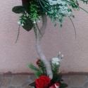 Asztal dísz, Dekoráció, Dísz, Szatén szalagból készült ez a kis fa, 50 cm magas,6 és 10 cm virág díszíti.Szép ajándék l..., Meska