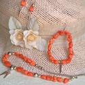 Napimádó - Howlit nyaklánc, karkötő és fülbevaló szett, Ékszer, Ékszerszett, Fülbevaló, Nyaklánc, Ékszerkészítés, Gyöngyfűzés, Vidám, meleg  hatású szettet készítettem  narancssárga howlit rögökből - arany színű díszítéssel. N..., Meska