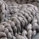 Vastag gyapjú takaró, Dekoráció, Otthon, lakberendezés, Lakástextil, Takaró, ágytakaró, Kötés, Merinói gyapjúból készült takaró, mely inkább dekorációs célokra ajánlok.  A kötésszemek nagysága: ..., Meska