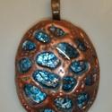 bronz teknős medál, Ékszer, Medál, Ez a termék kék süthető gyurmából készült. Belül festett üveglencse, kívül lyukasztásos..., Meska