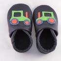 Traktoros bőr babacipő, kék zöld, Pilooshoe, Baba-mama-gyerek, Ruha, divat, cipő, Baba-mama kellék, Cipő, papucs, Bőrművesség, Varrás, Puha bőrből, rendelésre készül ez a kis cipő.  A felsőrészt  élénkzöld traktor díszíti. Elsősorban ..., Meska