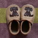 Puhatalpú kutyus mintás bőrcipő , világosbarna  babacipő, mamusz, Baba-mama-gyerek, Ruha, divat, cipő, Baba-mama kellék, Cipő, papucs, Bőrművesség, Varrás, Jelenleg egy árnyalattal sötétebb világosbarna bőrből készítem a cipőt.   Piloo puhatalpú bőrcipőim..., Meska