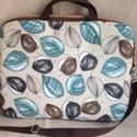Leveles laptop táska, Egy színes, kézműves laptop táska. Kívül lev...