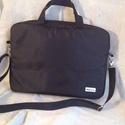 Laptop táska vízlepergetős anyagból, Táska, Laptoptáska, Férfi táska, Egy fekete, kézműves laptop táska nőknek és férfiaknak is. Kívül fekete vízálló anyagból, belül pamu..., Meska