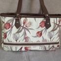 Ilonka tulipános táska, Táska, Válltáska, oldaltáska, Varrás, Közepes méretű, műbőrrel kombinált táska vastag vászonból. A4-es méret belefér keresztbe. Belül min..., Meska