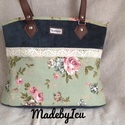 Zöld rózsás táska, Vastagabb vászonból készült ez a nagyon csajos...