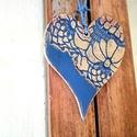 Mézeskalács szív nyaklánc, kék-arany, Ékszer, óra, Nyaklánc, Ékszerkészítés, Gyurma, Nem túl jóízű, viszont nagyon szép mézeskalács szív nyaklánc, kék és arany színben, ici-pici bordóv..., Meska