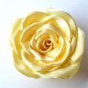 Vanília rózsa -bross/kitűző-extra méretben, Ékszer, Bross, kitűző, Gyönyörű vanília színű szatén rózsa kitűző. Világos, krémsárga színével sokféleképp..., Meska