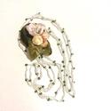 AKCIÓ!!!!Tavaszi fuvallat - textil ékszer- nyaklánc, Ékszer, Nyaklánc, Karkötő, Egy kis könnyed összeállítás, almafavirágot apró rózsafejekkel, levelekkel helyeztem egy zöld alapra..., Meska