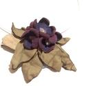 Ibolya csokor -valódi bőr nyakék rózsakvarccal, Ékszer, Nyaklánc, A bokrok alatt még a fű sem zöldel, de a lilás kis virágok már kidugták a fejüket.  A valódi bőrből ..., Meska