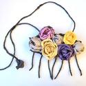 Különleges rózsák-textilékszer-rózsás nyakék, Ékszer, Nyaklánc, Ezen a nyakéken formabontó és rendkívüli a rózsák színösszeállítása, de a formai kialakítása is telj..., Meska