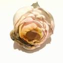 Varázslatos rózsa -  textilékszer - bross, Ékszer, Bross, kitűző, Ez egy olyan bross, ami a viselésének minden pillanatában boldogsággal tölt el. A különleges zöldes ..., Meska