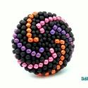 Spirálkaros fémes fekete kerek gyűrű, Ékszer, Gyűrű, Ballagás, Egy újabb változat a kerek gyűrűre. Matt fekete alapon narancs, rózsaszín és lila metálos japán kása..., Meska