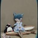Kék színű macskuszka , Baba-mama-gyerek, Dekoráció, Képzőművészet, Otthon, lakberendezés, Baba-és bábkészítés, Hímzés, Mérete : 35 cm A különlegességeket kedvelőinek ajánlom ajándékként, dekorációként . Arca saját kézz..., Meska