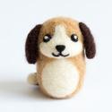 Kutya, Gyerek & játék, Otthon & lakás, Dekoráció, Nemezelés, Tűnemezeléssel készült gyapjú kutyus dekorációnak, apró ajándéknak. A kutya bundájának színe egyéni..., Meska