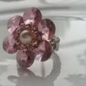 Sweet rose flower, Ékszer, óra, Gyűrű, Szépséges, 8 mm-es, Crystal Antique Pink színű, kerek, lencse formájú swarowski kristályokbó..., Meska