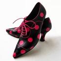 Pink pöttyös cipő, Ruha, divat, cipő, Cipő, papucs, Festett tárgyak, Bőrművesség, Hagyományos technikával készült , kézzel festett , 100 % bőr cipő , gumizsinór fűzővel , talpán gum..., Meska