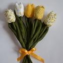 Tulipán csokor sárga anyagokból., Baba-mama-gyerek, Dekoráció, Csokor, Varrás, Apró mintás sárga anyagokból készültek a virágok. A szárak erős , egyenes szívószálak. A levél és a..., Meska