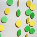 Sárga-zöld papír girland, Dekoráció, Ünnepi dekoráció, Dísz, Varrás, Papírművészet, Sárga-zöld papír girland szülinapra, lakásdekorációnak, esküvői dekorációnak. Hossza 5m 20cm, mindk..., Meska