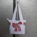 Fehér nyári táska, Táska, Baba-mama-gyerek, Válltáska, oldaltáska, Varrás, A vászontáska minden alkalomra kiváló viselet, ez a fehér táska 30x36 cm méretű, bélelt, bélésén 1 ..., Meska