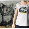 """Macska púderszürke színű lezser női pólón, Táska, Divat & Szépség, Otthon & lakás, Női ruha, Ruha, divat, Póló, felsőrész, Képzőművészet, Ez a póló """"Meghívott grafikusok"""" sorozatunk része, azaz a grafikát nem mi, hanem egy vendég készítet..., Meska"""