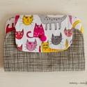 Cicás, macskás pénztárca, tárca, Táska, Pénztárca, tok, tárca, Erszény, Pénztárca, Ezt a textil pénztárcát fehér alapon színes rózsaszín, szürke és sárga cicamintás patchwork pamutból..., Meska