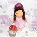Isabella baba, Baba-mama-gyerek, Játék, Játékfigura, Plüssállat, rongyjáték, Isabella 23cm magas waldorf jellegű kislány., Meska