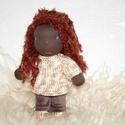 Amy baba, Baba-mama-gyerek, Játék, Játékfigura, Plüssállat, rongyjáték, Baba-és bábkészítés, Kötés, Amy baba egy afro amerikai waldorf kislány.Különlegessége,a bőrszíne.Magassága kb 23,5 cm.Öltözteth..., Meska