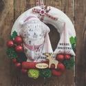 Karácsonyi koszorú ajtódísz kopogtató, Dekoráció, Ünnepi dekoráció, Karácsonyi, adventi apróságok, Karácsonyi dekoráció, Ízig-vérig Ircsis karácsonyi ajtódísz. Mérete: 27cm (átmérő) + akasztó, Meska