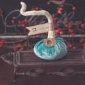 Világos türkiz bársony tök KICSI méret, Otthon, lakberendezés, Dekoráció, Asztaldísz, Ünnepi dekoráció, Varrás, Különleges bársony anyagból varrt, vatelinnel és egy kis rizzsel (hogy súlya legyen...) tömött dísz..., Meska
