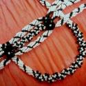 Fekete-fehér szett, Nyaklánc: 50 cm, Karkötő: 18,5 cm (kapoccsal eg...