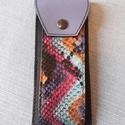 Bőrtolltartó különleges kígyóbőr mintával, Mindenmás, Bőrművesség, Egyedi tervezésű bőrtolltartó különleges kígyóbőr mintával . Színe: fekete, lila, tarka.  Hossza: 1..., Meska