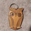 Bagoly - bőrkulcstartó, Mindenmás, Kulcstartó, Bagoly  - igazán egyedi bőrből készült kulcstartó.  Magassága kb. 6 cm, Meska