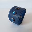 Kék színű bőrkarkötő, Ékszer, Karkötő, Kék színű, egyedi, elegáns bőrkarkötő.  Mérete: patenttól patentig : 16,5 cm  Saját tervez..., Meska
