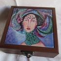 ÉKSZERDOBOZ- kerámia képpel, Képzőművészet, Dekoráció, Festmény, Napi festmény, kép, Exkluzív ékszerdoboz saját festménnyel. A doboz barnára pácolt,kerámiába égetett festményem díszíti...., Meska