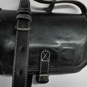 Pici válltáska - fekete2, Táska, Válltáska, oldaltáska, Tarisznya, A táska méretei: 17x16x5cm.  Anyaga fekete, különleges viaszos marhabőr. Egy rekeszes egyszerű..., Meska