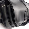 Szögletes  vadásztáska 2, Férfiaknak, A táska erős fekete marhabőrből készült.  Méretei: 30x25x12 cm. Előrészén zseb, fogója állítható...., Meska