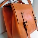 Mini minimál hátizsák - narancs, Táska, Divat & Szépség, Táska, Hátizsák, A hátizsák narancssárga marhabőrből  készült.  Nyers vászon béléssel, a bélésen kis zseb, mobilnak, ..., Meska