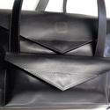 Laptop táska hanyag eleganciával_2, Táska, Divat & Szépség, Táska, Hátizsák, Laptoptáska, A táska háton is és vállon is hordható, csak egy mozdulat és kész. Anyaga elegáns fekete marhabőr.  ..., Meska