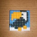 Pixel kakadú, Dekoráció, Mindenmás, Dísz, Műanyag lapra műanyag négyzetek kirakásával készült kép., Meska