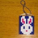 Pixel nyuszis kulcstartó, Dekoráció, Húsvéti díszek, Dísz, Műanyag lapra műanyag négyzetek kirakásával készült kép. , Meska