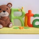 Rita- macis-pillangós-virágos névtábla, Gyerek & játék, Otthon & lakás, Gyerekszoba, Dekoráció, Saját tervezésű, teljes egészében kézzel készült filc névtábla macival, pillangóval és virággal.  A ..., Meska