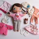 Petra- öltöztethető textilbaba kismacival és kiegészítőkkel (azonnal vihető!), Baba-mama-gyerek, Játék, Baba, babaház, Varrás, Kedves, mosolygós,fonott copfos baba, mindenféle ruha darabbal és egy aprócska macival. Arca kézzel..., Meska