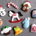 Egyedi filc karácsonyi dekorációs csomag , Dekoráció, Ünnepi dekoráció, Karácsonyi, adventi apróságok, Karácsonyfadísz, 10db aprólékos gonddal készült, selyemszalag akasztóval ellátott, vidám karácsonyi díszt ta..., Meska