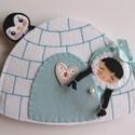 Iglu házikó eszkimó kislánnyal és kis pingvinnel- játszókönyvecske horgász játékkal!, Gyerek & játék, Karácsony, Játék, Baba, babaház, Készségfejlesztő játék, Ebben  a mesés jégkunyhóban lakik egy vidám eszkimó kislány és  barátja, egy aprócska pingvin. A két..., Meska