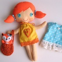 Regi- öltöztethető textilbaba kisrókával és kiegészítőkkel - AZONNAL VIHETŐ!, Gyerek & játék, Játék, Baba, babaház, Kedves, mosolygós, copfos öltöztethető baba, ruhákkal és egy aprócska rókával. Arca kézzel hímzett. ..., Meska