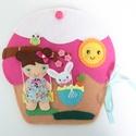 Bibi muffin házikója- játszókönyvecske öltötztetős babával és kisnyuszval, Gyerek & játék, Játék, Készségfejlesztő játék, Plüssállat, rongyjáték, Ebben az édes kis  muffin házikóban lakik Bibi, a bájos sütibaba és aprócska nyuszkója, Pamacska.  B..., Meska