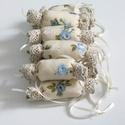 Vintage rózsás- csipkés textil szaloncukrok (10db), Otthon & lakás, Karácsony, Dekoráció, Ünnepi dekoráció, Karácsonyi dekoráció, Rózsás pamut anyagból készült, beige csipkével díszített textil szaloncukrok.  Az ár 10 db szaloncuk..., Meska