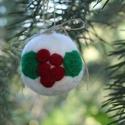 Piros bogyós - nemez karácsonyfa dísz, Baba-mama-gyerek, Dekoráció, Játék, Otthon, lakberendezés, Puha nemez karácsonyfadísz, tiszta gyapjúból.   Ajándéknak is kiváló, de kisgyerekek közelében is re..., Meska
