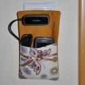 Telefontöltő tartó - sárga pillangó, Táska, Mindenmás, Pénztárca, tok, tárca, Mobiltok, Telefontöltő tartó / telefontöltő állomás, praktikus textiltok, melyben a telefon tölthető anélkül, ..., Meska